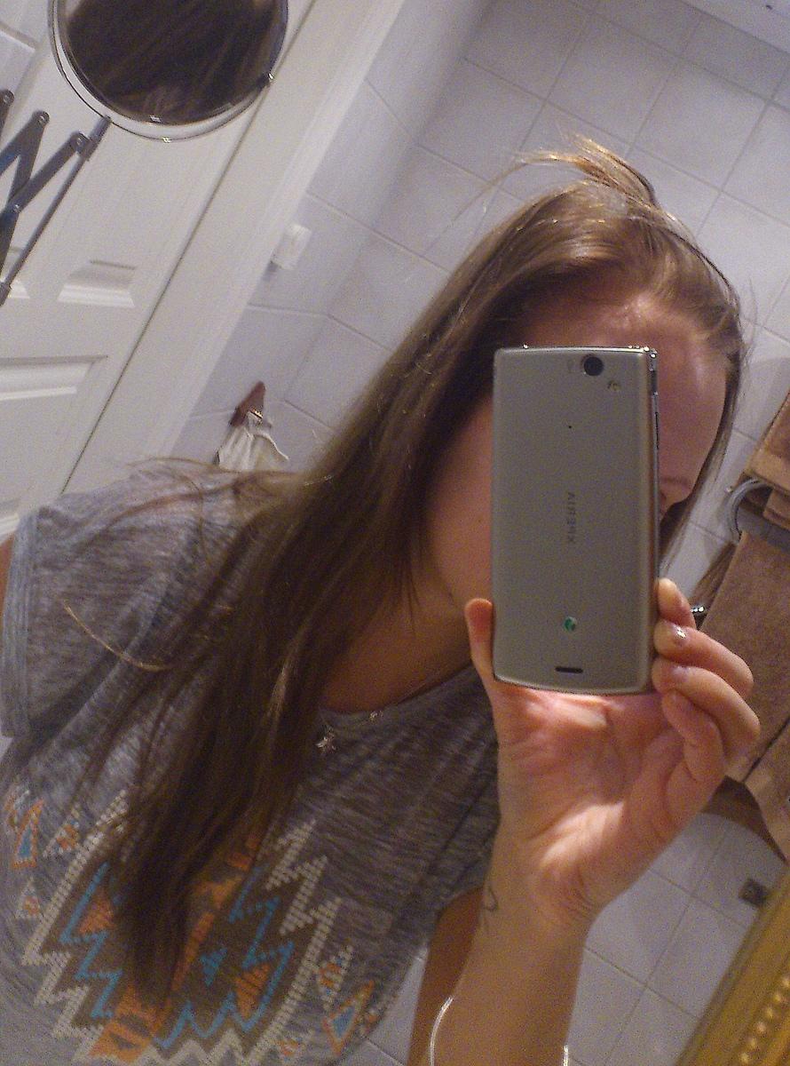 Mitt hår går av på mitten